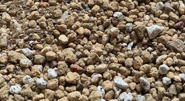 パキポディウムの用土(赤玉土、軽石、腐葉土、ミリオンA)